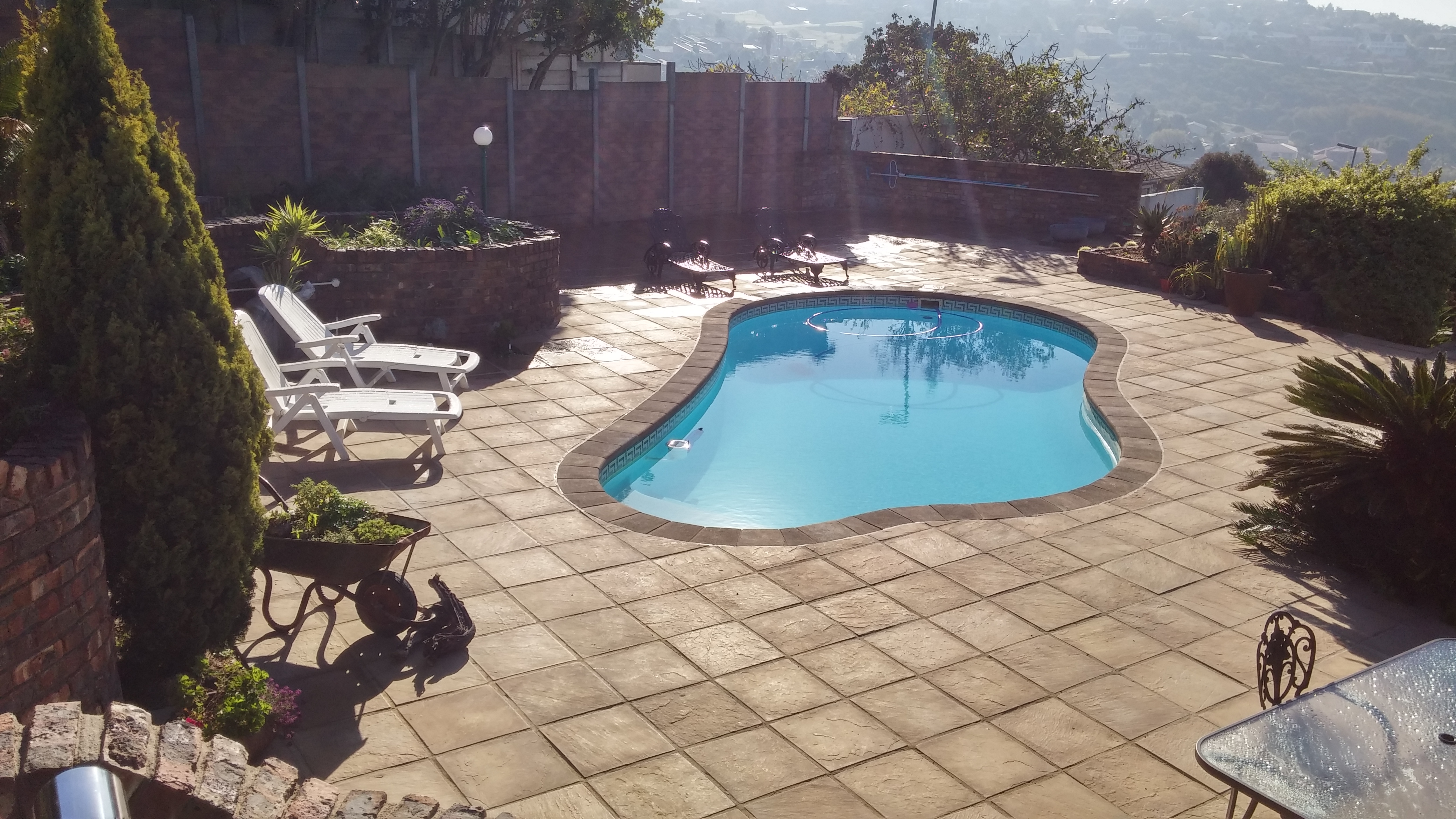 Pool-Paving-440-Pavers-with-Shurfoot-Coping.jpg