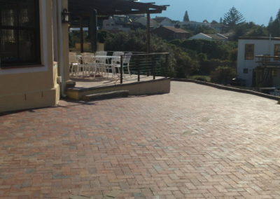 Driveway in clay brick paving