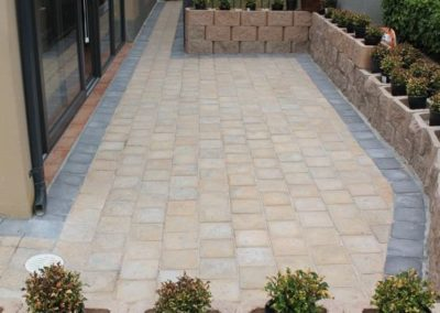 Courtyard paving with border