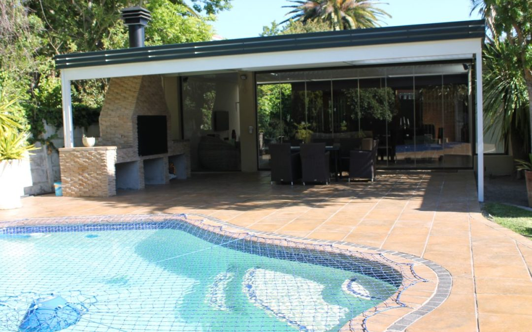 Pool Paving - Pavatile 440x440 Sandstone with charcoal inlay border