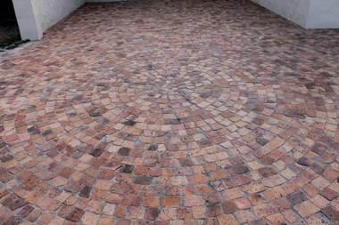 Paring - Wheatstone Half brick paving